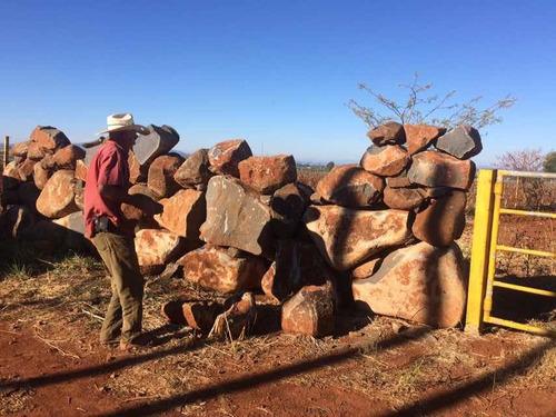 construcción y reconstrucción de cercas de piedra