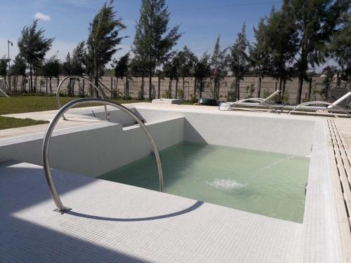 construcciones de piscina de hormigon