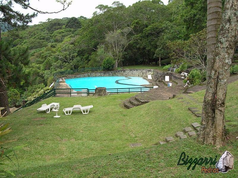 Constru o de piscina com pedras r sticas r 350 00 em - Piscinas rusticas ...