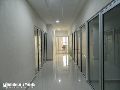 consultorio amueblado en cénit medical center