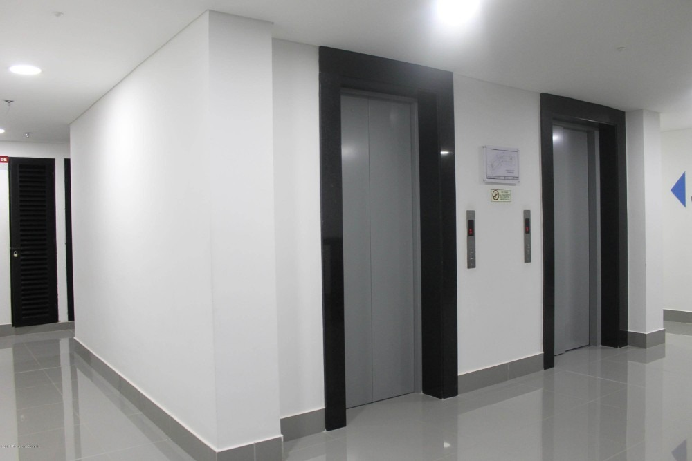 consultorio en arriendo en calahorra mls 20-180 fr