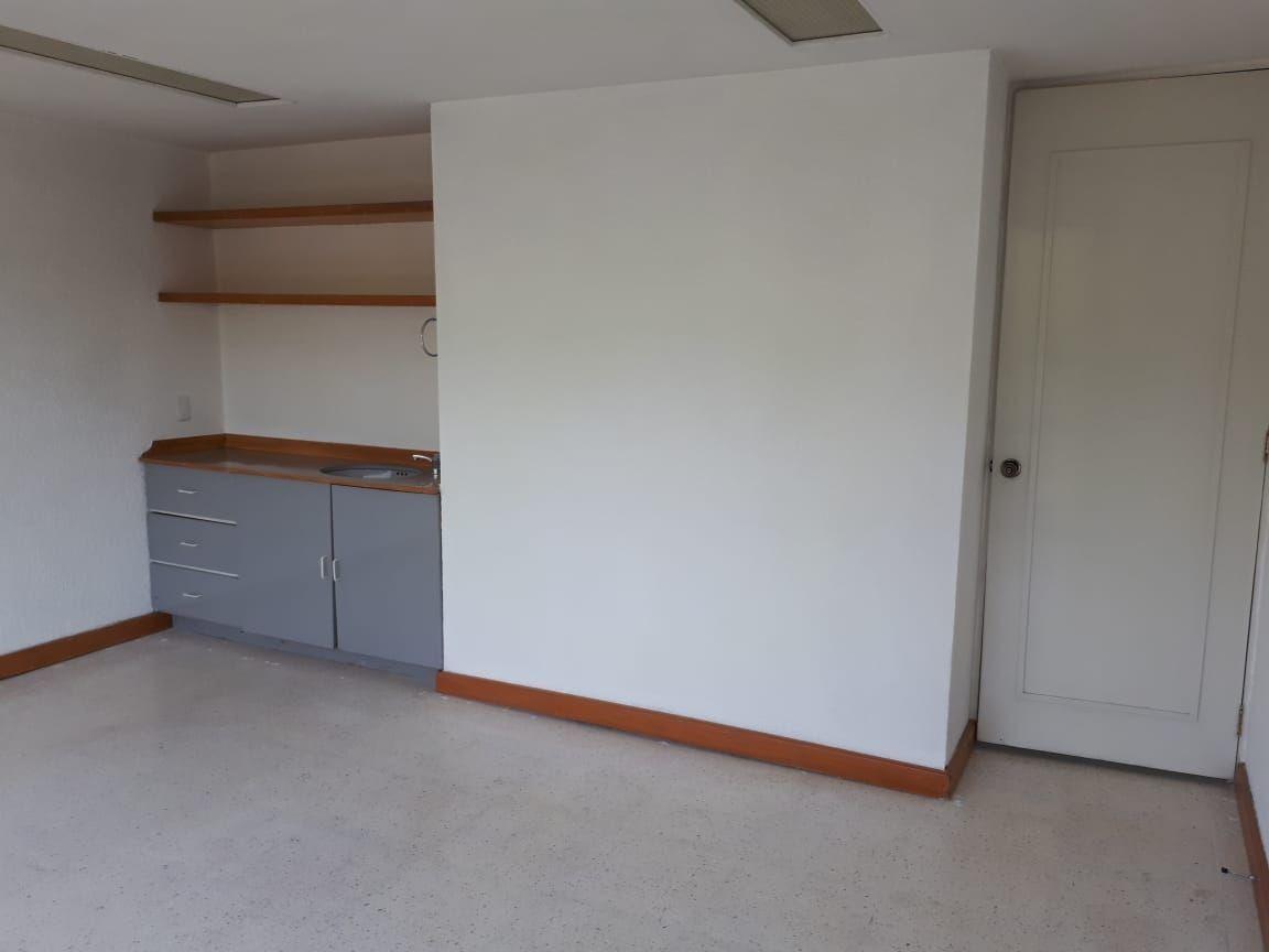 consultorio en renta en col. portales.