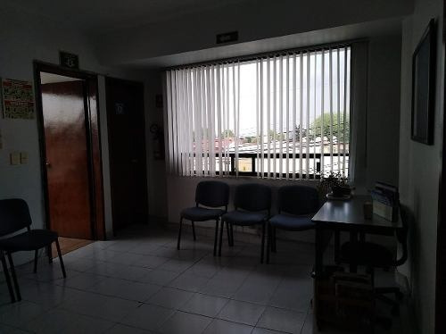 consultorio en renta p.b