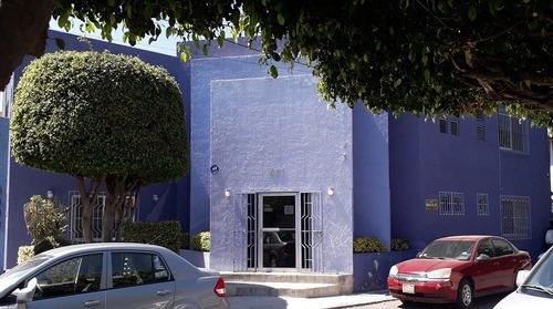 consultorio médico, en venta, junto a uaq, querétaro (v)