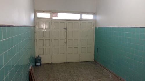 consultorios / oficinas a dos cuadras de la estación de tren