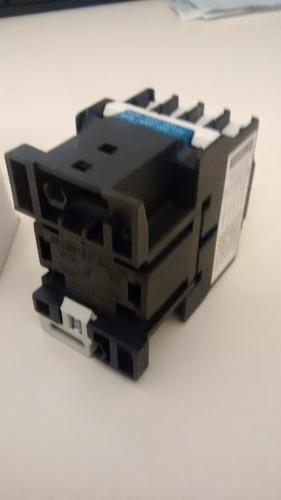 contactor trifásico 12a 7,5hp contactos aux + 1na, alim 220v