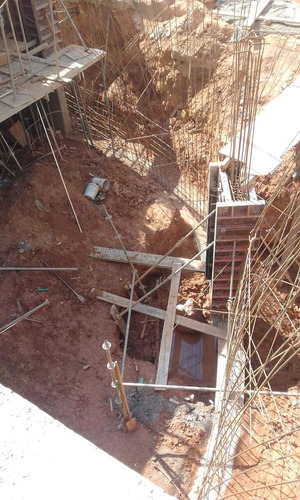 contratista de obra sivil  en extrura armazón y pisos