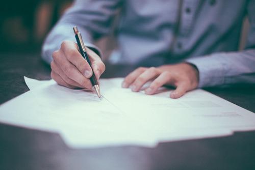 contratos. jurídico. abogados.