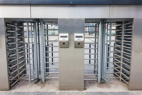 control accesos baños tragamonedas torniquetes rehiletes