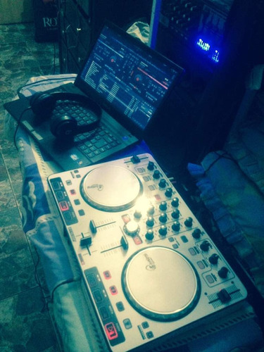 controlador dj reloop beat mix rotulado con caja cd cables