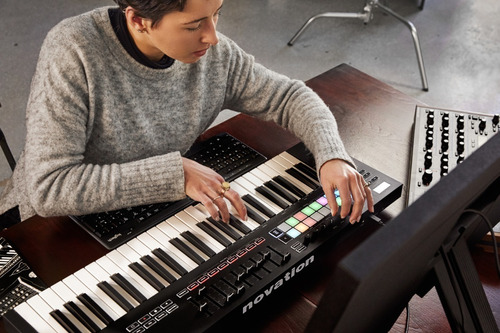 controlador novation launchkey 49 mk3 midi usb - cuotas