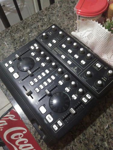 controladora behringuer bcd3000