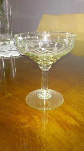 copas de cristal tallado champagne son 10