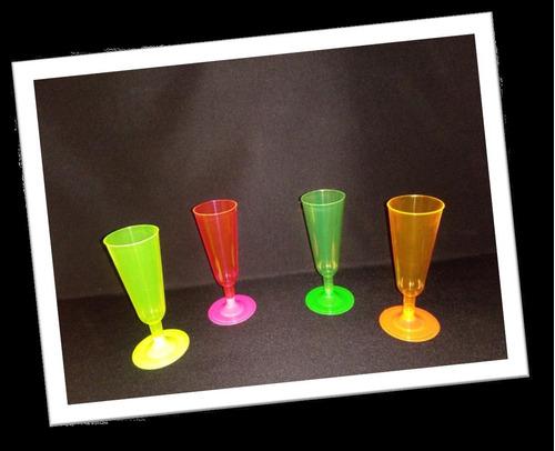 copas y vasos de cristal para fiestas, bares y eventos