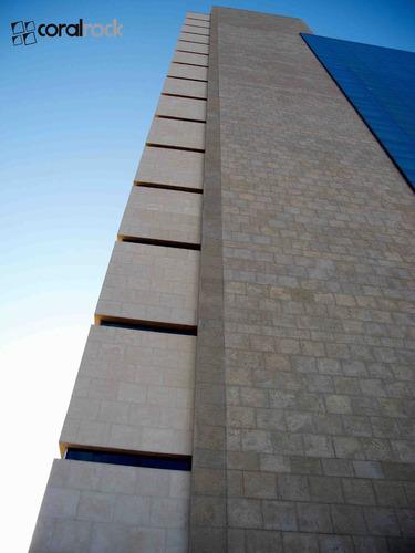 coralina sintetica. revestimientos de fachadas y pisos, etc