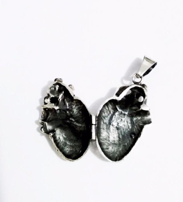 Corazon Anatomico Cardiologo El Relicario De Plata 925 - $ 589.00 en ...