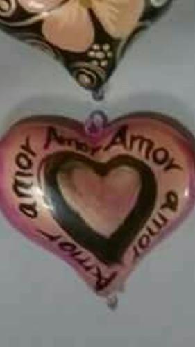corazón de cerámica decorado