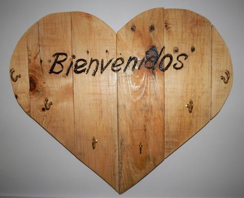 corazón de madera pirograbado hecho a mano