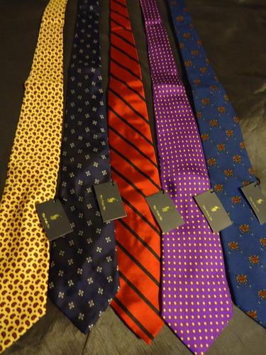 corbata de la linea ralph lauren, en varios modelos.