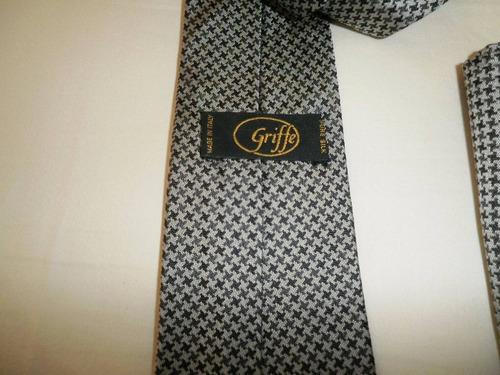 corbata italiana 100%  seda natural y panuelo para bolsillo