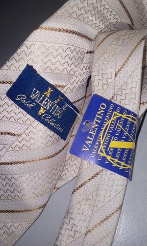 corbata marca valentino