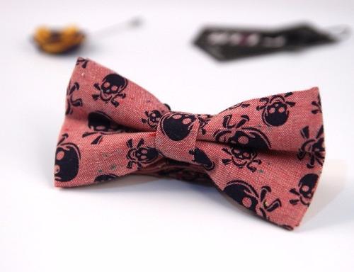 corbata pajarita o michi con diseño