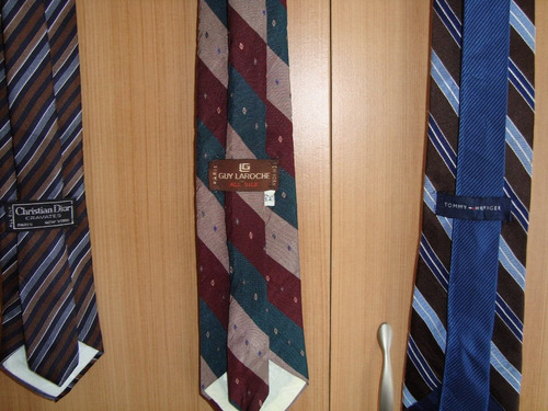 corbatas de seda ralladas de marcas