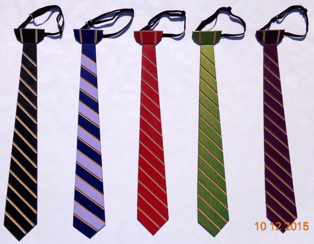 Corbatas originales de madera de diversos colores y for Disenos de corbatas