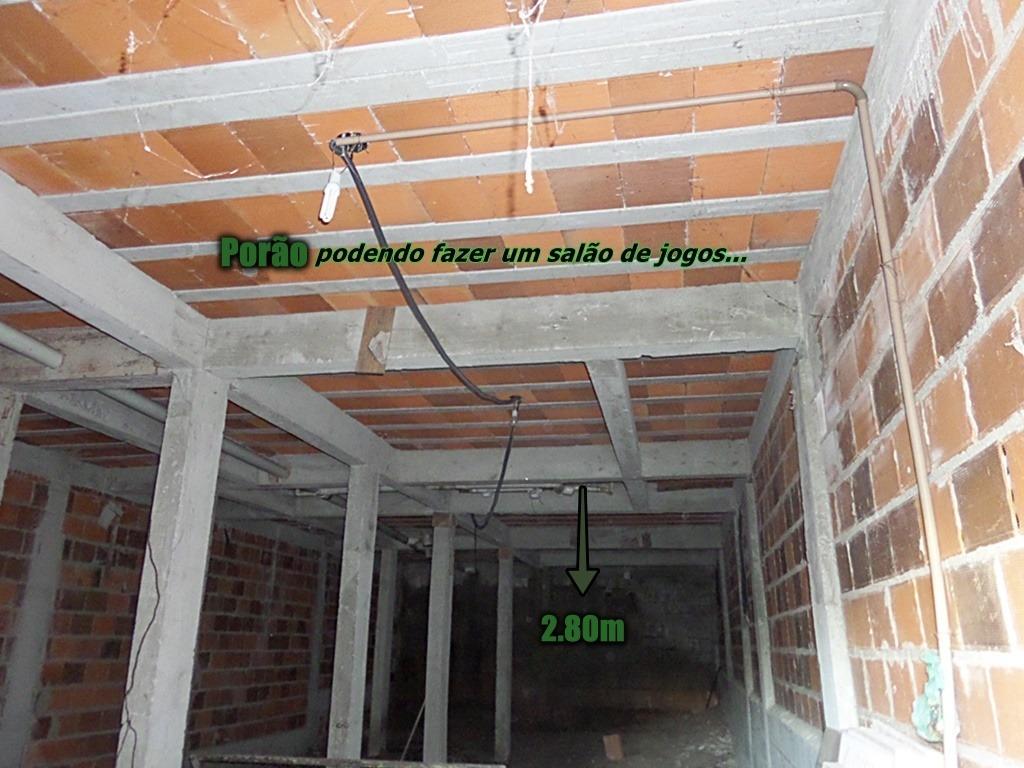 cordeirinho-maricá casa c/2 qtos sendo 1 suíte,porão c/2,80m