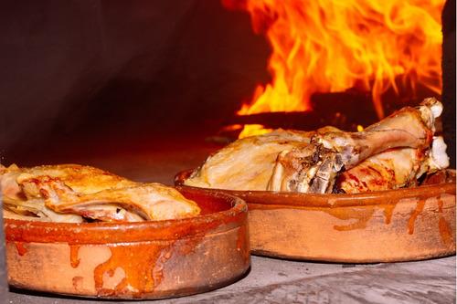 cordero al horno. cordero. lechon. cohinillo. catering