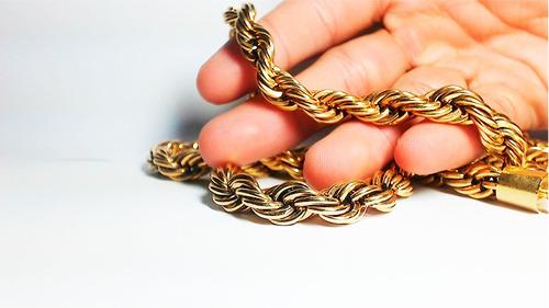 cordão de 18k peso de 107 g  8 mm de grossura