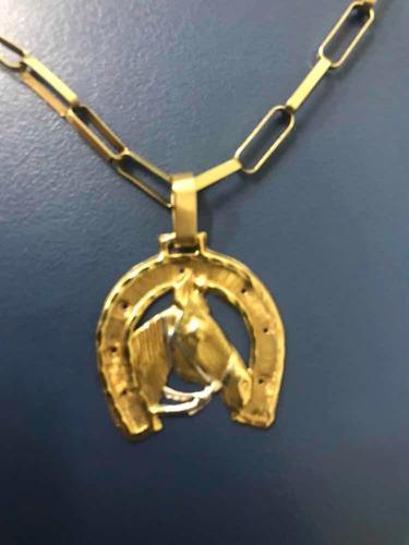cordão e pulseira de ouro