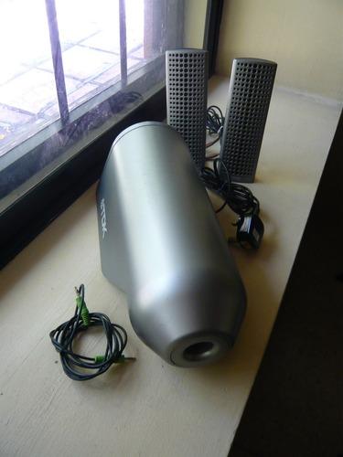 cornetas realzadoras de sonidos bajos o graves