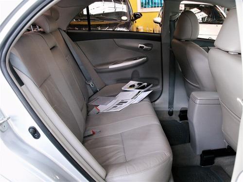 corolla xei automático com couro e pneus novos na só  kaiman