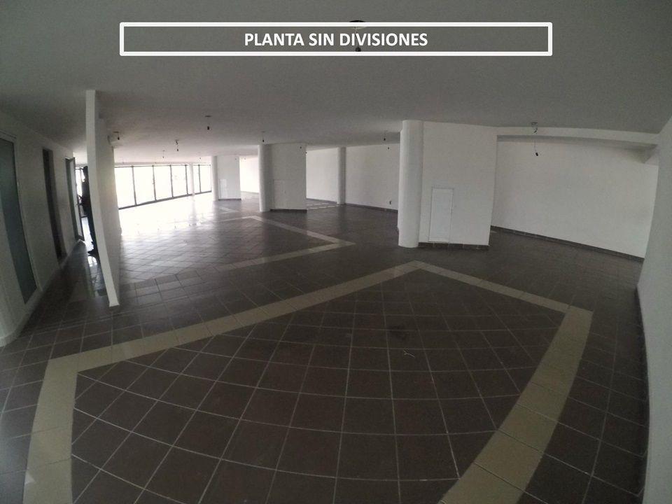 corporativo oficina en renta en avenida principal con muchísimo estacionamiento