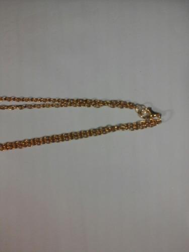corrente dourada com placas motivos de tigre
