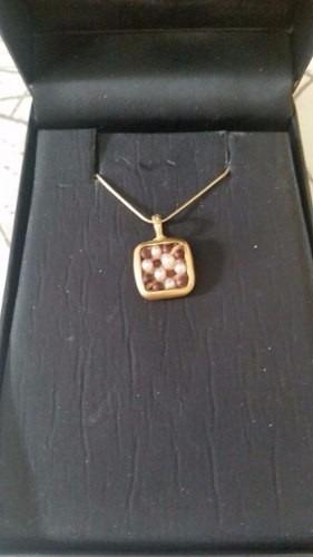 corrente e pingente junia m de pérolas,ouro e madeira vivara