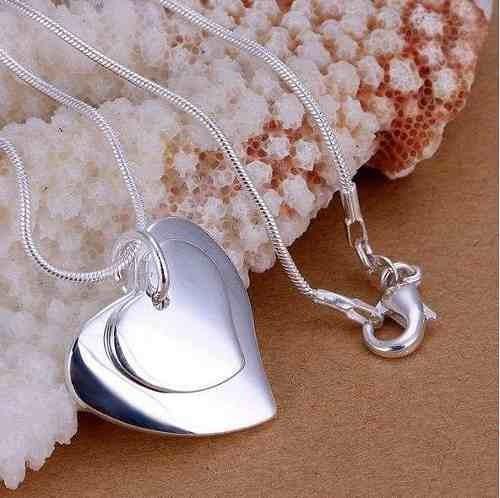 corrente feminina c/ pingente folhados biju bijoux importado