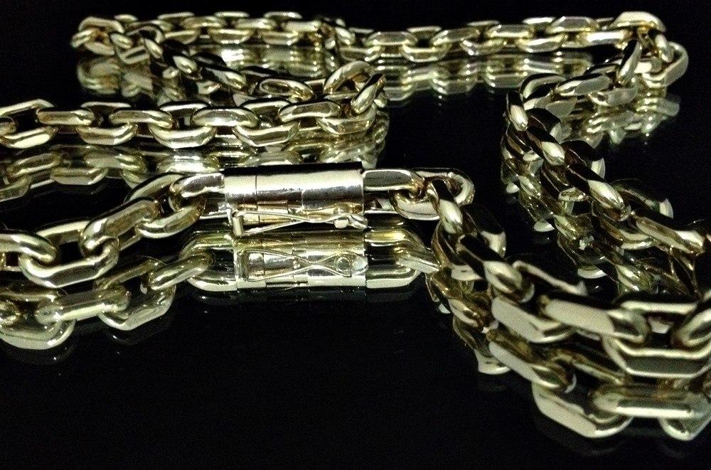 4d77e83ef71 Corrente Grossa Em Ouro 18k 750 Cadeado Luxo Á Vista - R$ 10.499,00 ...