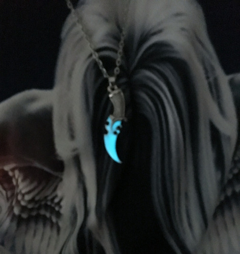 corrente masculina pingente adaga luminosa brilha no escuro