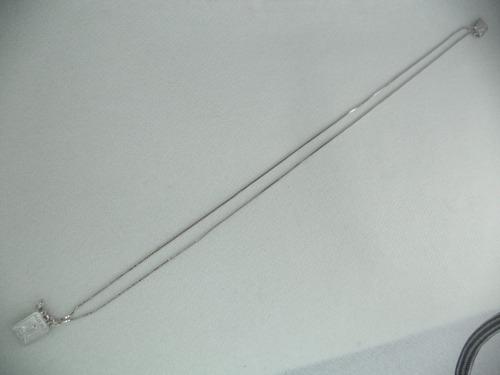 corrente mini escapulário de prata com banho de ródio.
