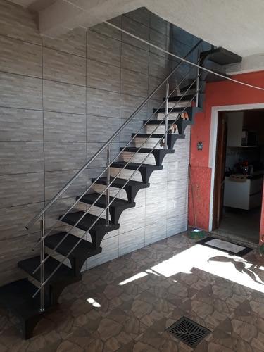 corrimão para escada caracol