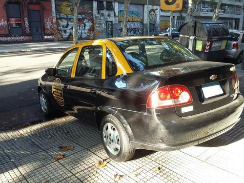 corsa 2013 taxi - $140.000