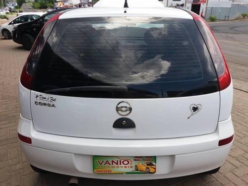 corsa hatch 1.0 8v com direção hidráulica e vidros elétricos
