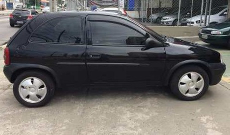 corsa hatch super 2000 preto