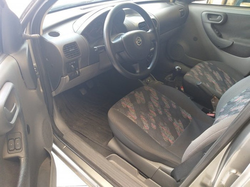 corsa sedan 1.8 mpfi maxx sedan 8v flex 4p manual