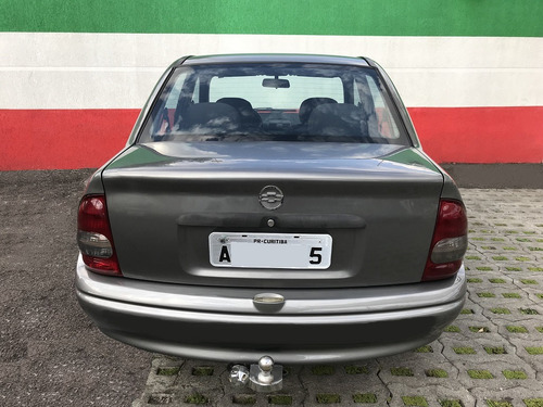 corsa sedan classic carro!