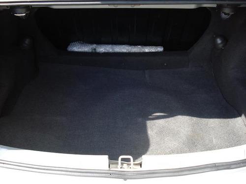 corsa sedan unica dona 04 ar condicionadounica dona   prata