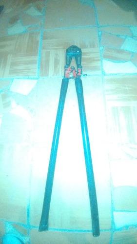 corta pernos 24  cr-mo 600