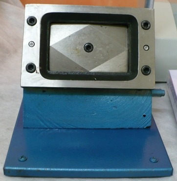 cortador de crachá e cartões em pvc 85x54mm aço carbono